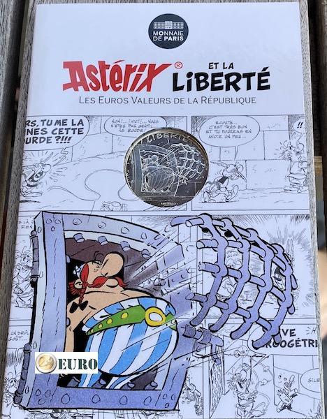 10 euros France 2015 - Asterix Liberté La Serpe d'or - en cartelette